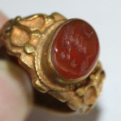 AF-0010 - Bague Romaine Etrusque Antique Afghan en CORNALINE à Intaille Dragon --------- T 57 ----- 50 carats