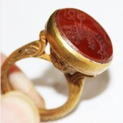AF-0026 - Bague Romaine Etrusque Antique Afghan en CORNALINE à Intaille COQ --------- T 59 ----- 62 carats