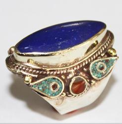 AF-0033 - Grosse Bague Ethnique Afghane et Médiévale Corail, Turquoise, Lapis Lazuli ------ T 59 - 74 carats