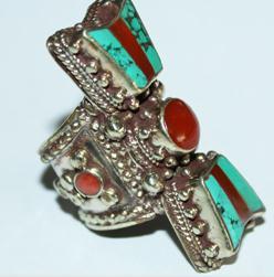 AF-0074 - Grosse Bague Ethnique Afghane et Médiévale Corail, Turquoise, T 57 - 185 carats