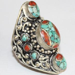AF-0091 - Grosse Bague Ethnique Afghane et Médiévale Corail, Turquoise, T 71 - 122 carats
