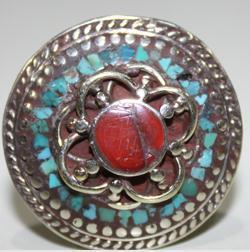AF-0092 - Grosse Bague Ethnique Afghane et Médiévale Corail, Turquoise,T 68 - 90 carats