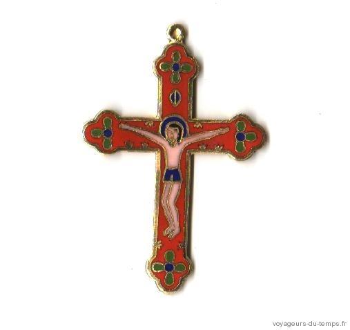 Cx 066a croix cretienne crucifix jesus christ insigne pelerin