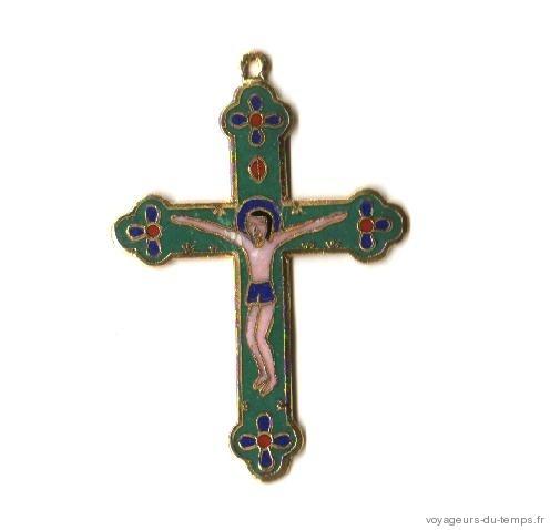 Cx 068a croix cretienne crucifix jesus christ insigne pelerin