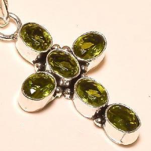 Cx 3230c pendentif croix pendant peridot pierre taillee gemme argent 925 achat vente bijoux