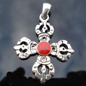 Cxd 003a croix cretienne crucifix jesus christ insigne pelerin