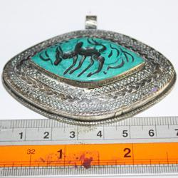 Int 034 pendentif antique afghan turquoise intaille zebu 4