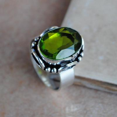 PER-014a - Belle BAGUE T 57 avec Cabochon PERIDOT vert - argent 925 - 26 carats 5.3 g
