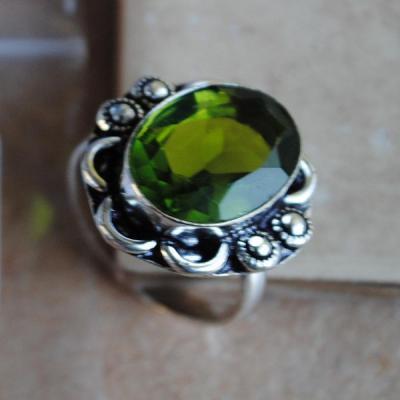 PER-021 - Belle BAGUE T 61 avec Cabochon PERIDOT vert - argent 925 - 30 carats 6.1g