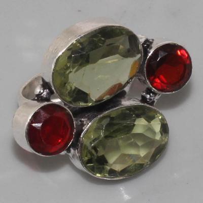 A-PER-028 - Belle BAGUE T 48 avec 2 PERIDOTS et 2 GRENATS - 38 carats 7,6 gr - argent 925
