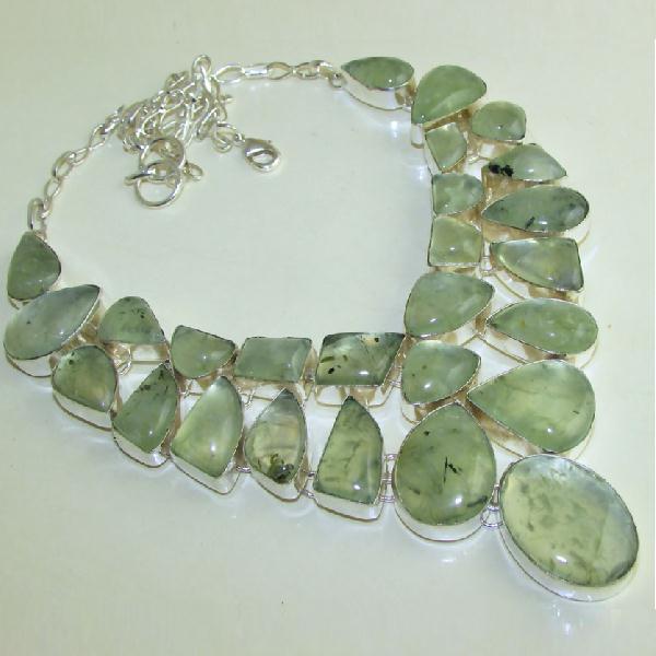 PRN-059 - Enorme PARURE, COLLIER avec 28 PREHNITES Vertes - Monture Argent 925 - 660 carats ! 132 gr