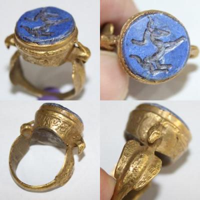 RO-0011 - Bague Romaine Antique Afghan Bronze doré et LAPIS LAZULI à Intaille CERF ----------- T 57 ----- 42