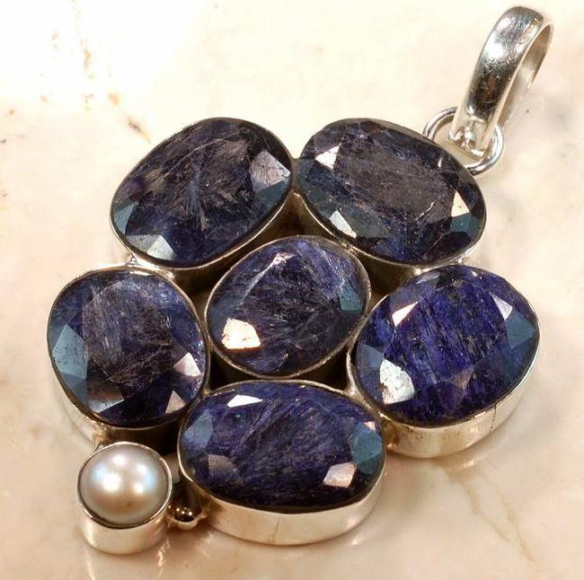 RUB-186 - Superbe PENDENTIF Vintage avec 7 saphirs bleus 63 carats et Argent 925
